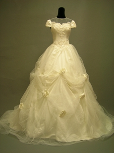 Vintage Illusion Bridal Dresses With Short Sleeves