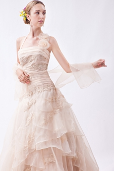 Vintage Halter Champagne Wedding Dress With Appliques