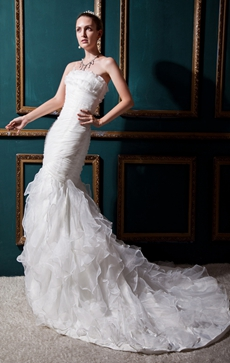 Breathtaking White Organza Mermaid/Fishtail Wedding Dress With Ruffles