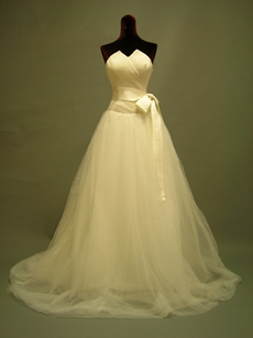 Classic Tulle Wedding Dresses With Sash