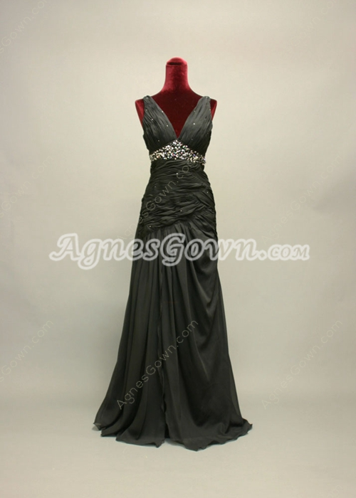 Plunge V-Neckline Black Chiffon Evening Dresses With Ruched Bodice