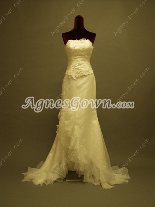 Charming Sheath Beach Bridal Dresses With Ruffles