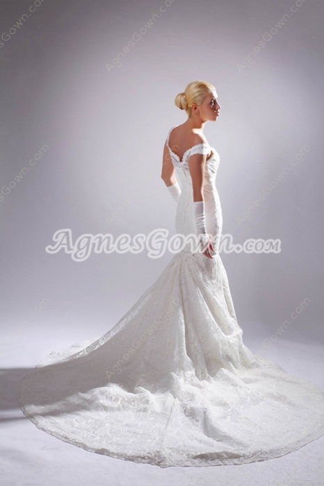 Retro V-neckline Trumpet/Mermaid Lace Wedding Gown
