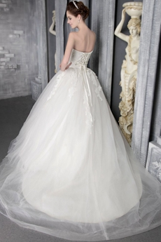 Stunning Ball Gown White Tulle Wedding Dress With Lace Appliques
