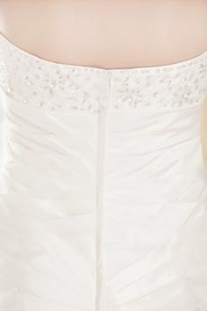 Amazing White A-line Satin Plus Size Wedding Dresses