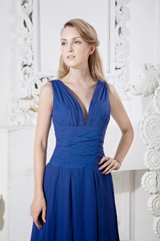 Gorgeous V-Neckline Column Royal Blue Graduation Dress For College