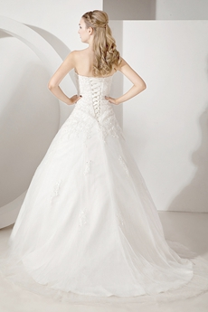 Haute Sweetheart  Sleeveless Lace Ball Gown Wedding Dresses