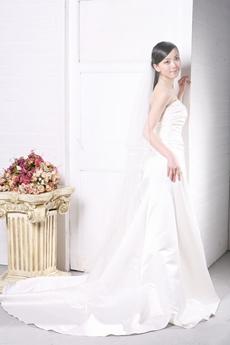 Noble Pleated Satin Wedding Dress