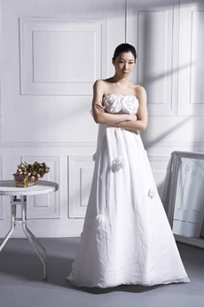 Delicate Noble Wedding Dress With Handmade Flowers