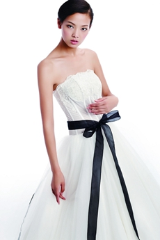 Impressive White Tulle Bridal Dress With Black Sash