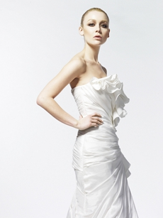 Sweetheart A-line Taffeta Wedding Dress With Frills