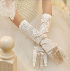 Fingertips Ivory Bridal Gloves With 3d Flowers