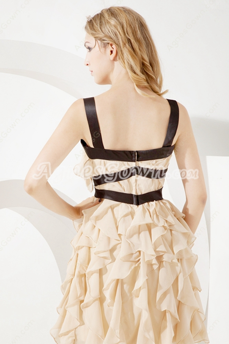 Chic Champagne Chiffon Cocktail Dresses With Ruffles