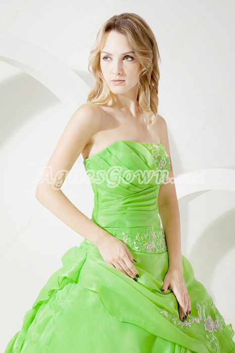 Beautiful Green Strapless Quinceanera Dress With Embroidery