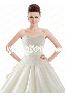 Beautiful Sweetheart Neckline Ivory Satin Wedding Dress With Lace